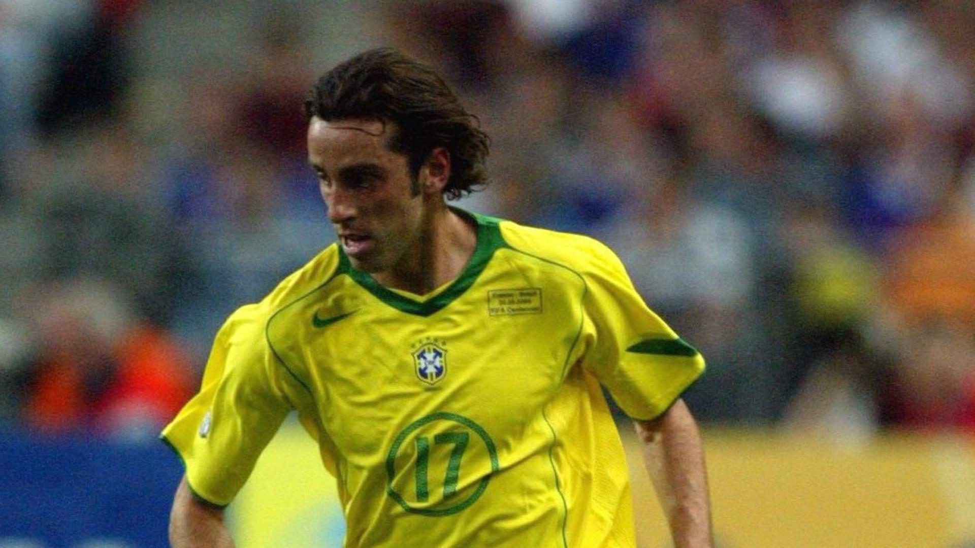 Edu France v Brazil Friendly 20052004