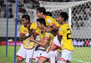 Selangor players celebrating Juliano Mineiro's (middle, low) second goal against Kelantan