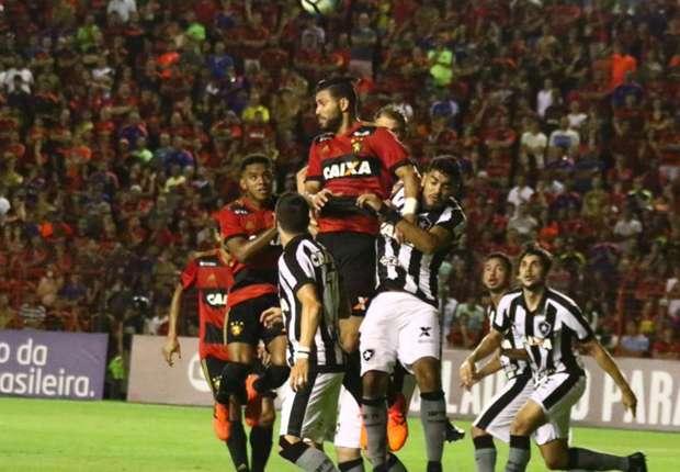 Nach Niederlage Brasilien Fan Zundet Sich An Goal Com