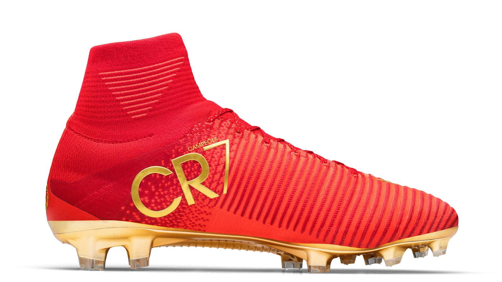 sports cristiano ronaldo to model new cr7 mercurial