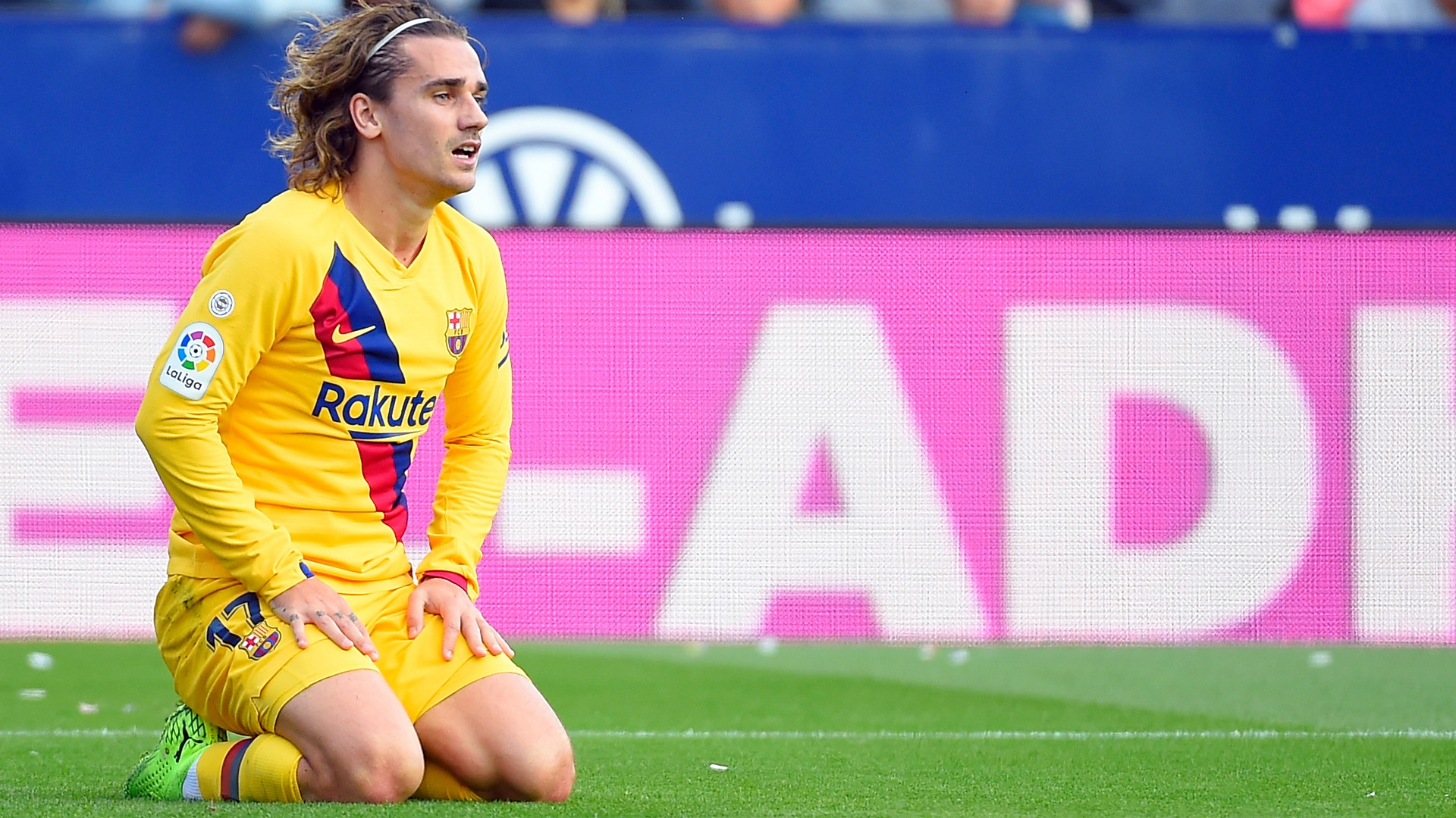 Griezmann needs time to match huge expectations at Barcelona, says Deschamps