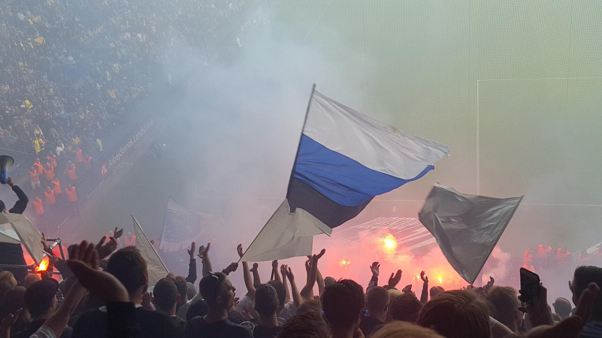 Schwere Ausschreitungen überschatten Kopenhagen-Derby