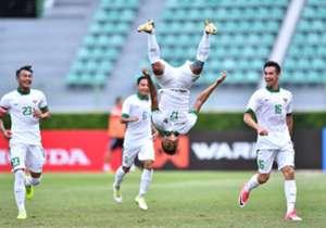 Indonesia U-22 membalas kekalahan mengecewakan dari Malaysia dengan berpesta tujuh gol ke gawang Mongolia. Simak gambar-gambar terbaik aksi bintang tujuh Garuda Muda eksklusif dari Goal!