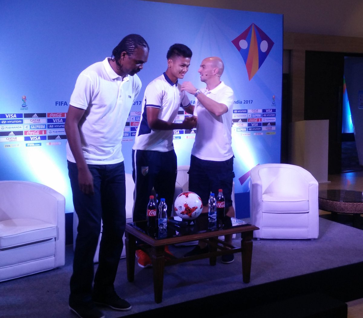 Kanu, Cambiasso among FIFA legends to attend FIFA U-17 draw