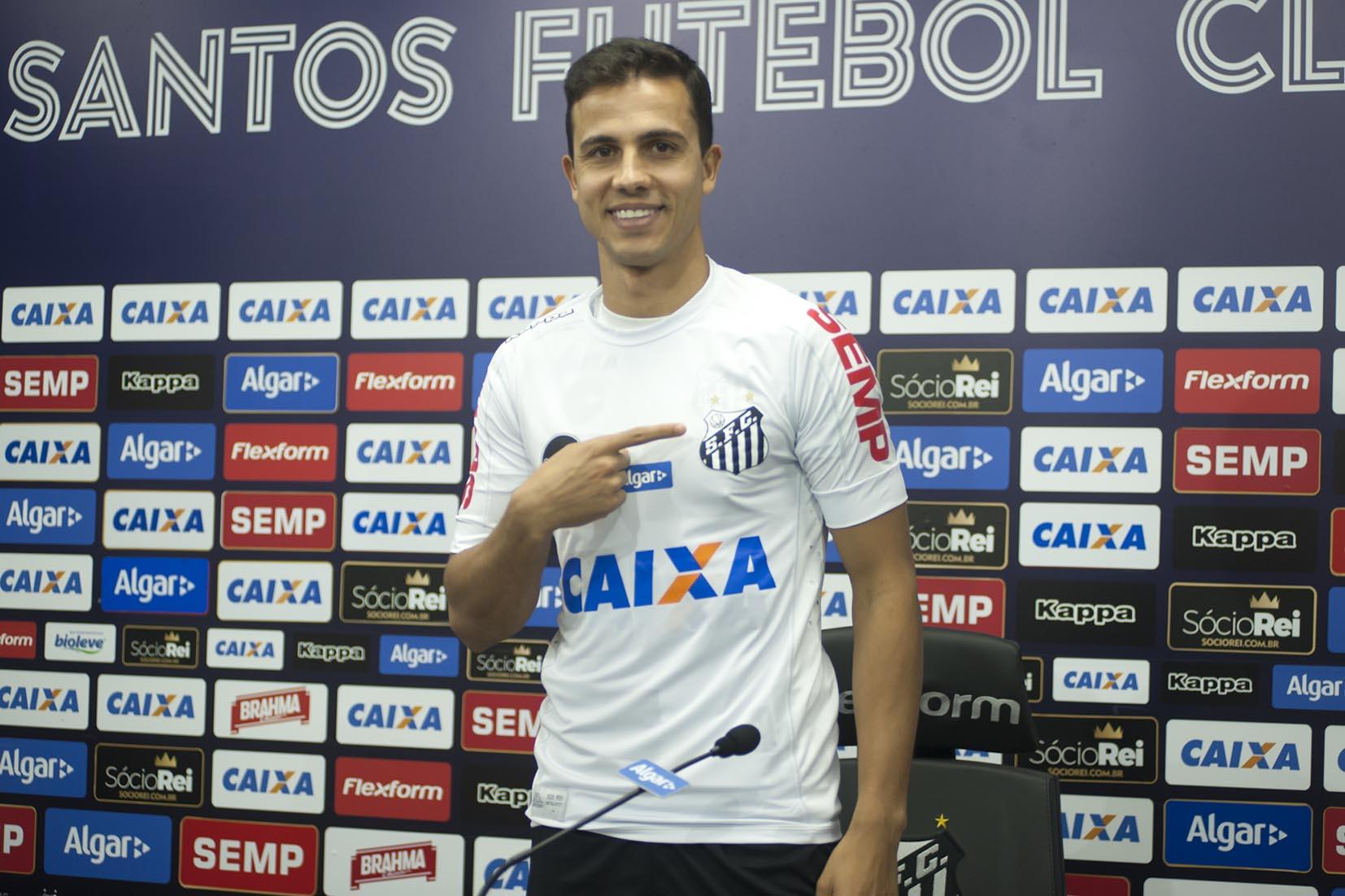 Avançado Nilmar é reforço do Santos