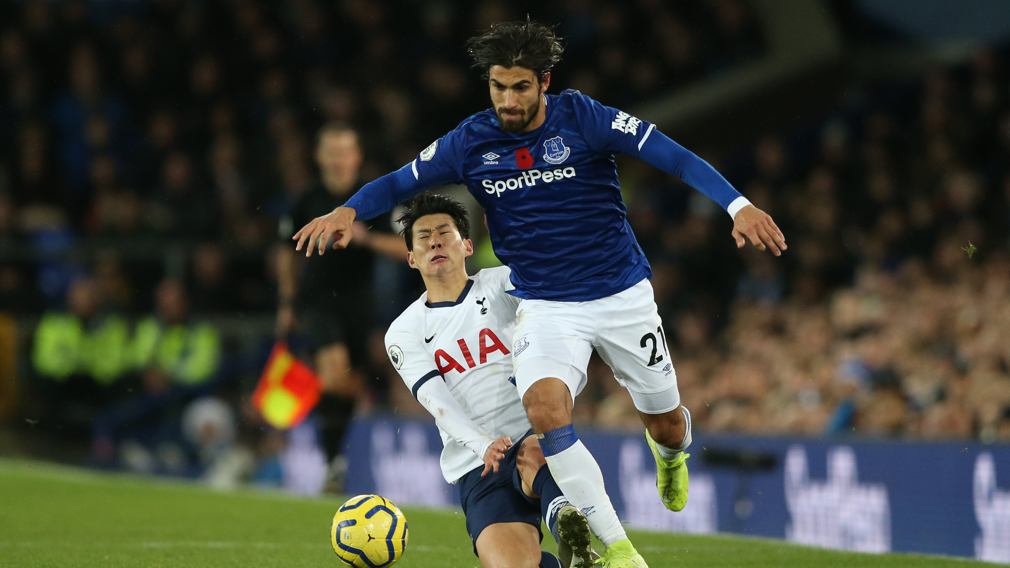 Andre Gomes leaves hospital after horror ankle injury to start road to recovery at Everton