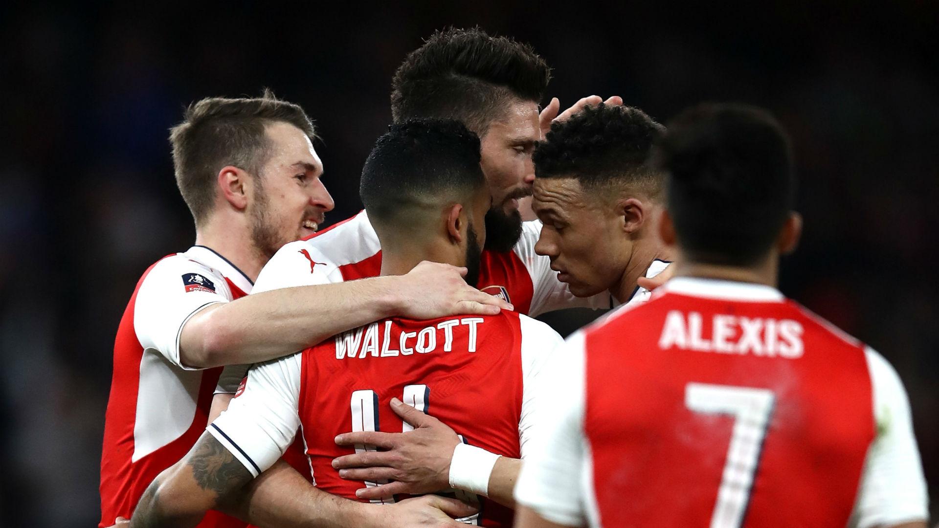 Arsenal celebrate v Lincoln