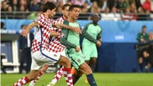 Vedran Corluka Cristiano Ronaldo Croatia Portugal