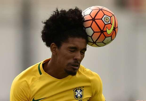 Man City sign Brazilian youngster Douglas Luiz