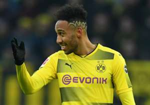 <h2>REAL WIRBT UM AUBAMEYANG</h2><p>Real Madrid steigt in den Poker um Borussia Dortmunds Starstürmer Pierre-Emerick Aubameyang ein und ist bereit, dem BVB eine Offerte in Höhe von 70 Millionen Euro zu unterbreiten. Auch Arsenal wurde zuletzt mit dem G...