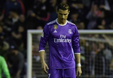 Sloppy Madrid give Barca a boost