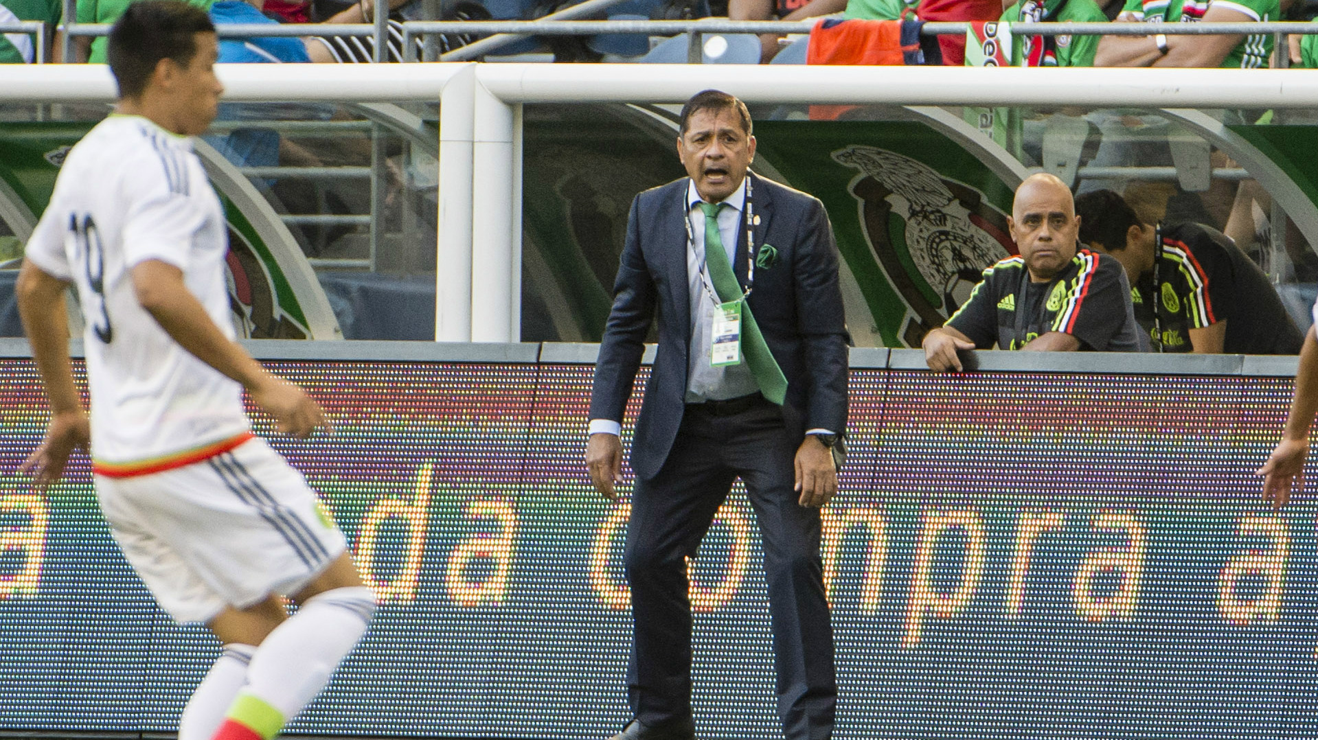 FIFA announces 6-game ban for Mexico's Osorio after Confed. Cup incident