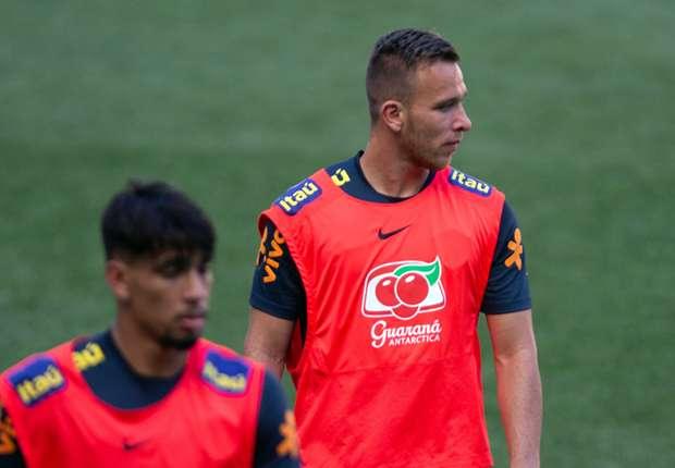 1b370850d3 Arthur e Lucas Paquetá lideram a expectativa de renovação no meio-campo da  Seleção