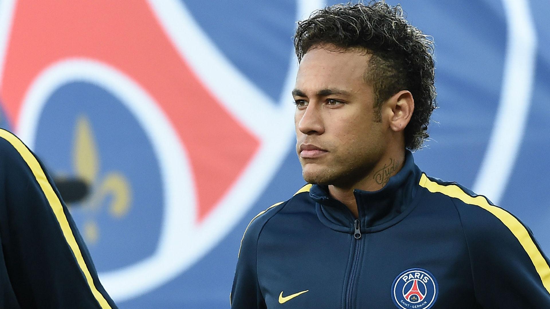 Neymar-guingamp-psg-ligue-1-13082017_9zgwbd54zoys1dil6acqfffkp