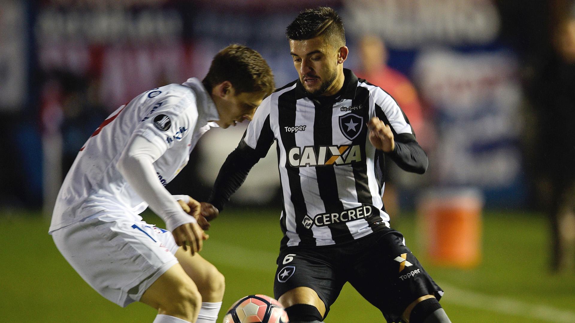 Santiago Romero Victor Luis Nacional-URU Botafogo Libertadores 06072017