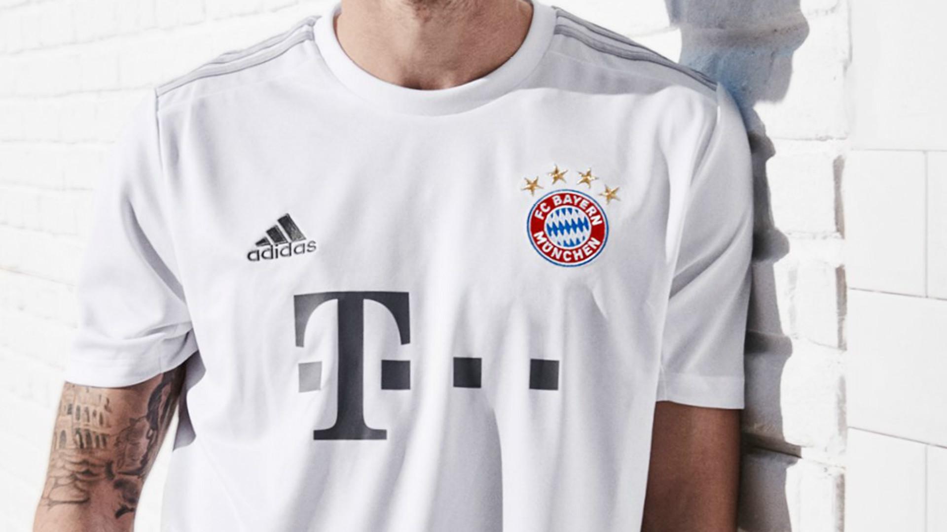 Le Bayern Munich présente son nouveau maillot extérieur