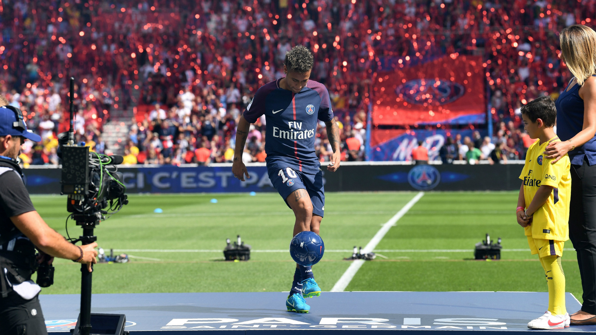 PSG: Ligue 1: Neymar Proves To Be PSG's Man To Watch