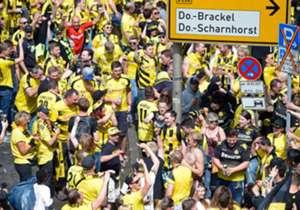 Les supporters du Borussia Dortmund sont connus pour leur ferveur. Découvrez, en images, comment ils ont fêté la Coupe d'Allemagne de leur club.