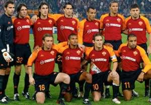 A lo largo de su extensa carrera, Francesco Totti jugó con grandes figuras en la Roma. Acá, el XI ideal de los mejores compañeros que tuvo Il Capitano en el conjunto de la capital italiana.