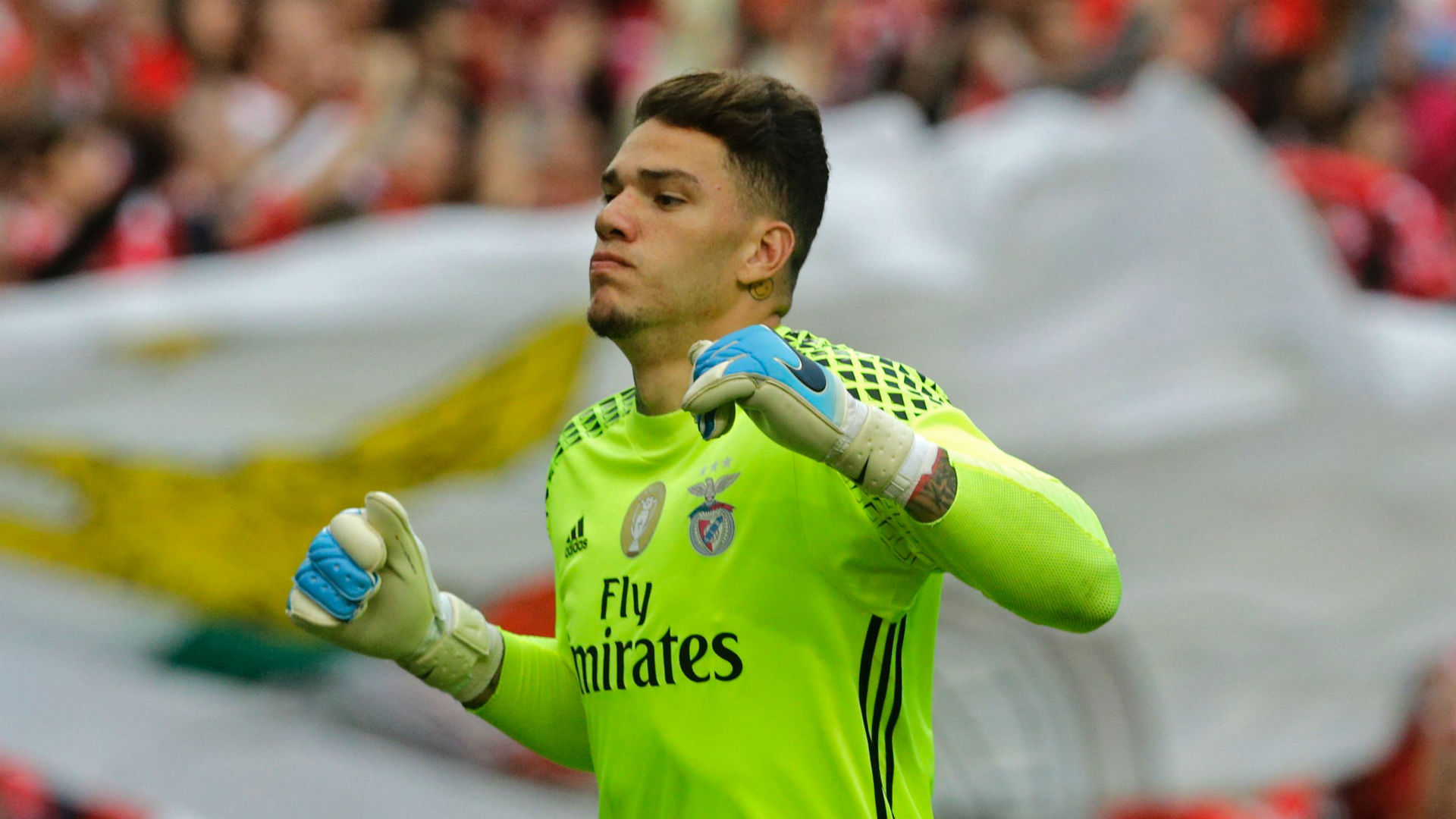 Man City eye £35m goalkeeper deal for Benfica's Ederson