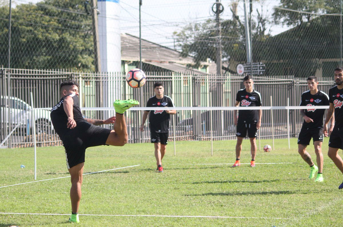 Libertad viaja a Argentina para estrenarse en Sudamericana contra Huracán