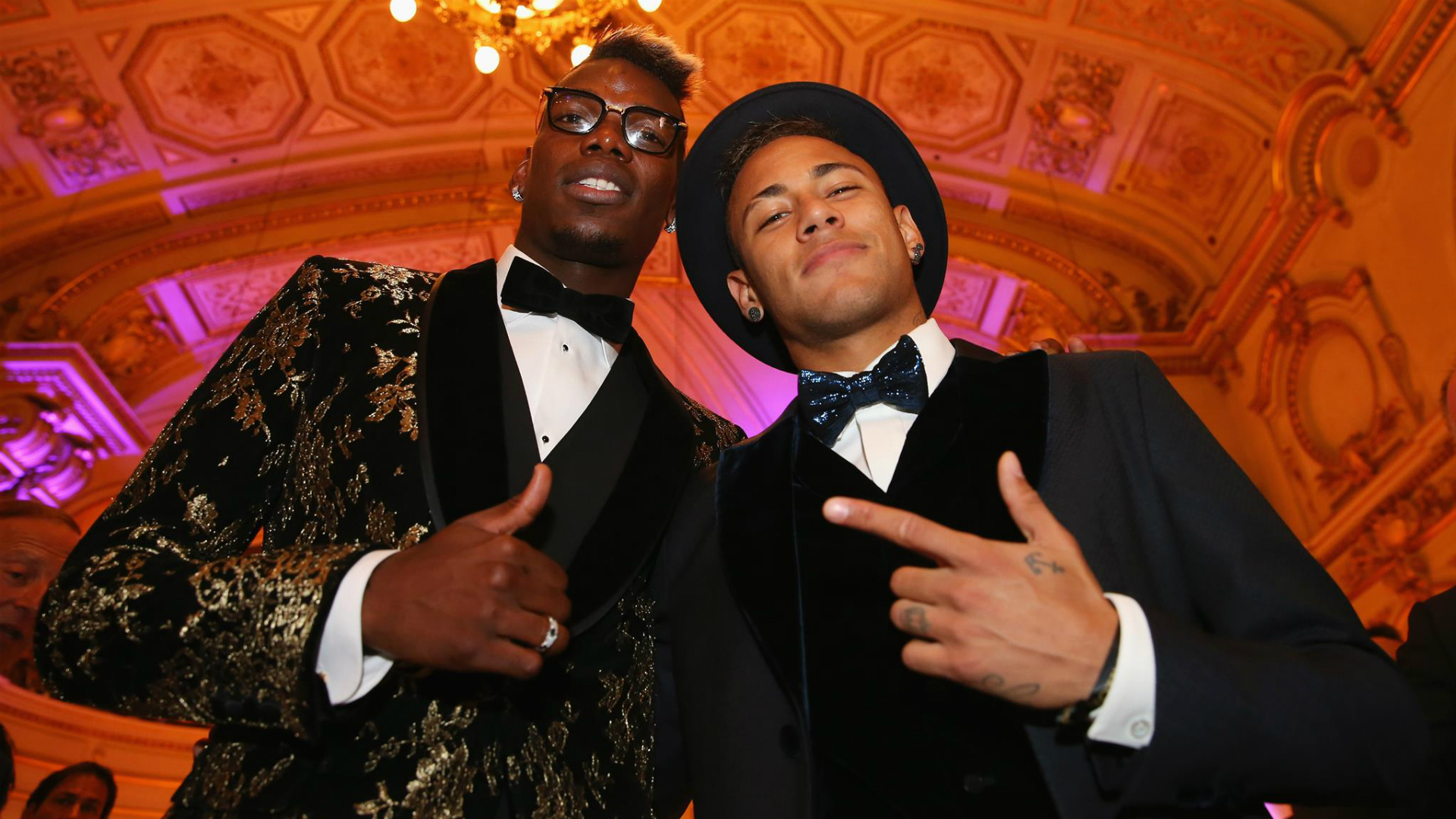 Neymar 'charm offensive' for Paul Pogba
