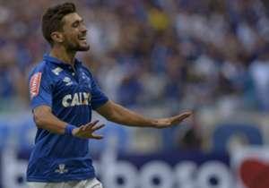 Com os dois gols no clássico contra o América-MG, Arrascaeta, além de colocar o Cruzeiro na final do Campeonato Mineiro, ultrapassou Aristizábal na lista dos maiores artilheiros estrangeiros da história da Raposa. Confira a lista