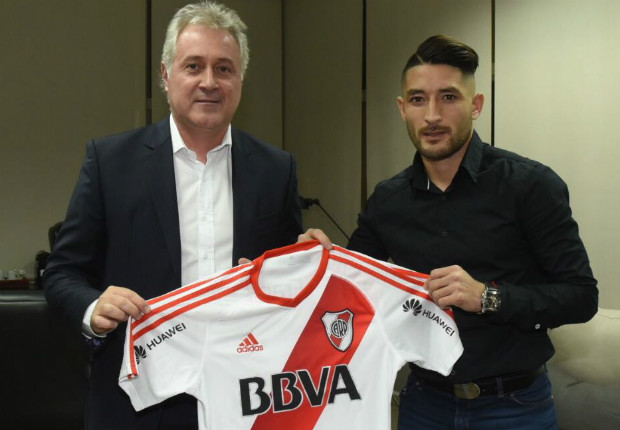 Fútbol: Milton Casco amplió su contrato con River Plate