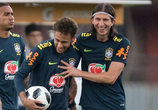 Resultado de imagen para filipe luis neymar