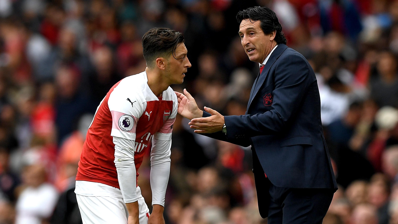Arsenal - Emery évoque un possible retour de Mesut Ozil