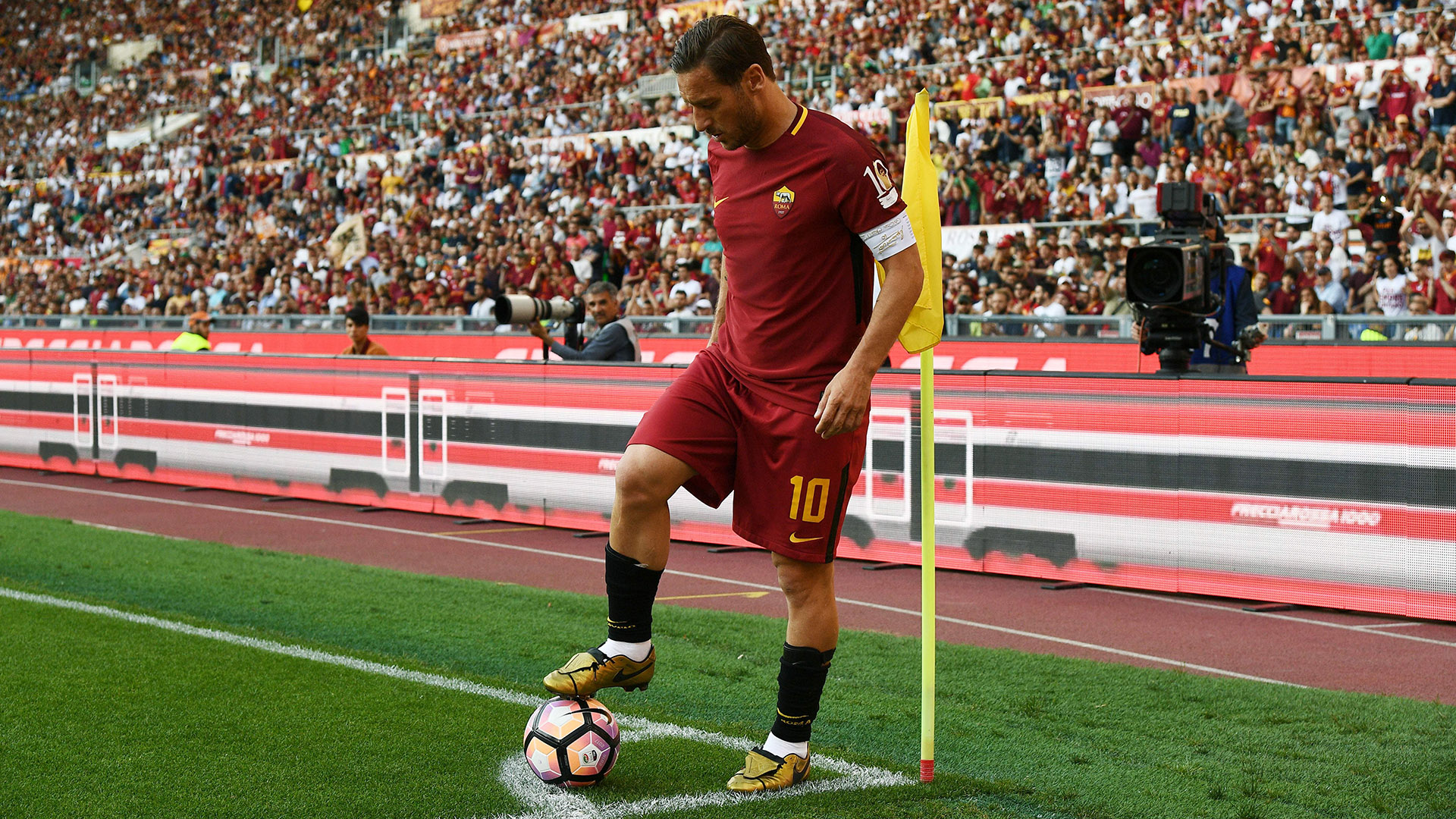 Francesco Totti wanted to miss penalty with last Roma kick - Juan Jesus