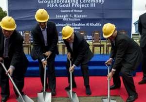 Setelah Blatter mengambil alih FIFA, program Goal FIFA diperkenalkan, dengan pemberian dana dan akses proyek kepada seluruh negara di dunia. Program Goal membantu memastikan adanya infrastruktur, fasilitas, teknik center, akademi pemain muda dan proyek...