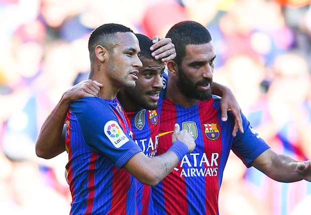 Barcelona 4-0 Deportivo: Rafinha stars in easy win for the Blaugrana