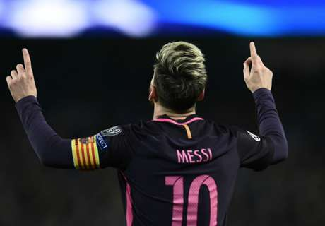 Messi voted best player of the decade