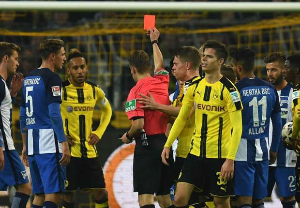 'It was not a red card' - Langkamp apologises after Mor shove
