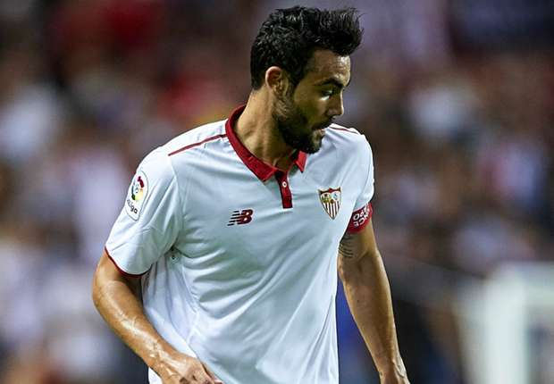 Sunderland make offer for Sevilla captain Iborra