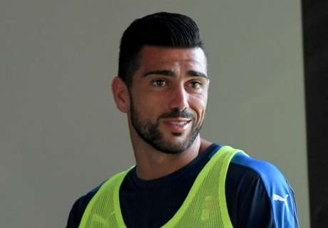 WATCH: Pelle scores stunner in China