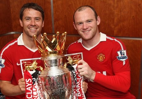 Rooney calls out 'Man Utd fan' Michael Owen