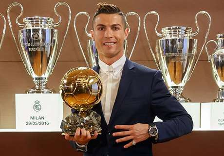 Ronaldo wins 2016 Ballon d'Or