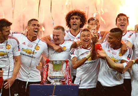 Schweini left out of Man Utd team photo