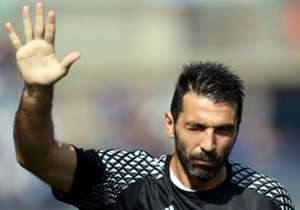13) GIGI BUFFON | Parma & Juventus | 1997-? | 122 presenze