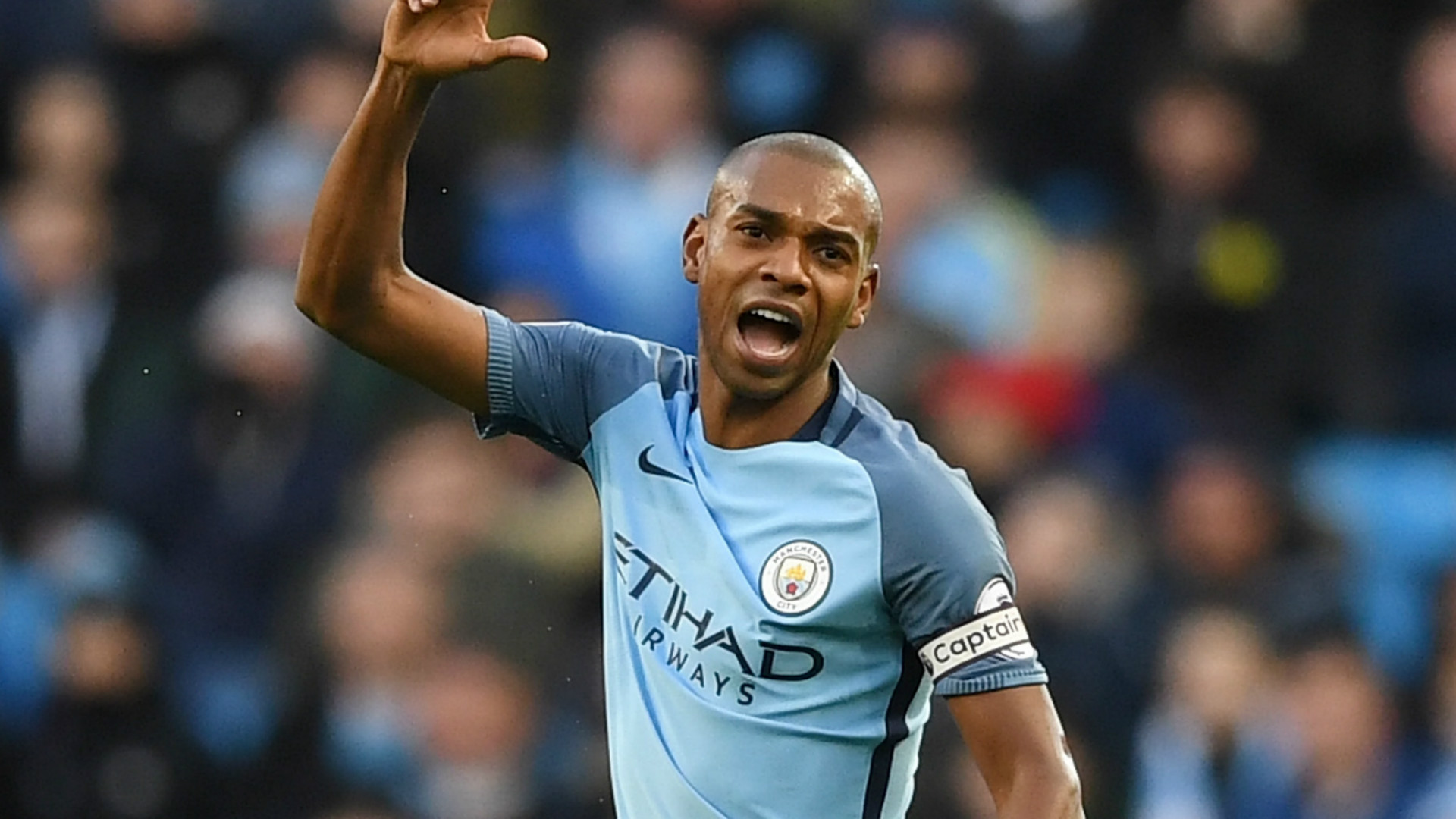 Fernandinho urges patience with returning Man City star Gabriel