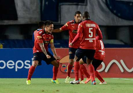 Independiente Medellin players attacked