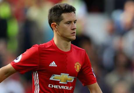 Is Ander Herrera a fourth official?!