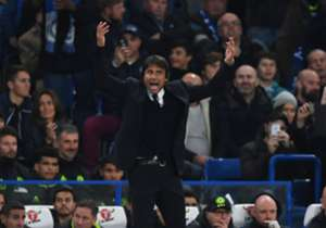 Antonio Conte's touchline antics riled Jose Mourinho - and you can see here what exactly the Chelsea boss did to anger his Manchester United counterpart.