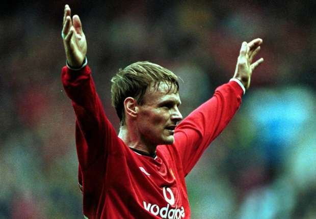 Ronaldo, Zidane and... Des Walker?! Teddy Sheringham picks his best opponents XI