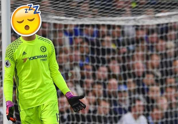 Courtois vừa chơi bóng vừa ngủ, Chelsea vẫn có chiến thắng