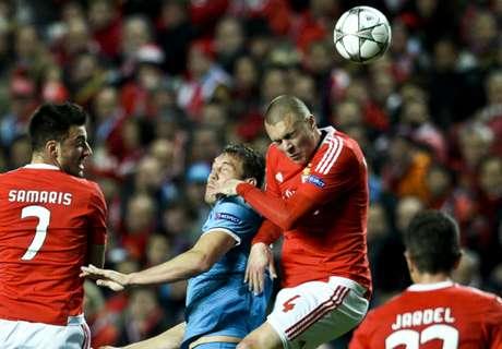 Benfica golpeó sobre el final