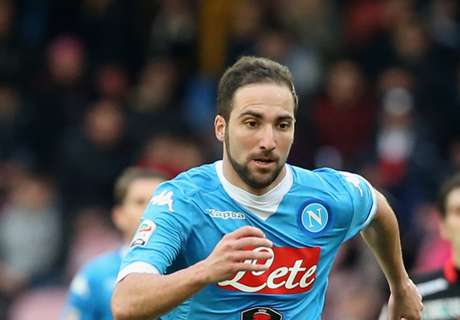 Higuain at the double as Juve win again