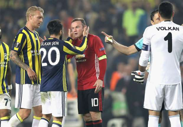 Fenerbahce 2-1 Manchester United: Mourinho's men downed in Istanbul